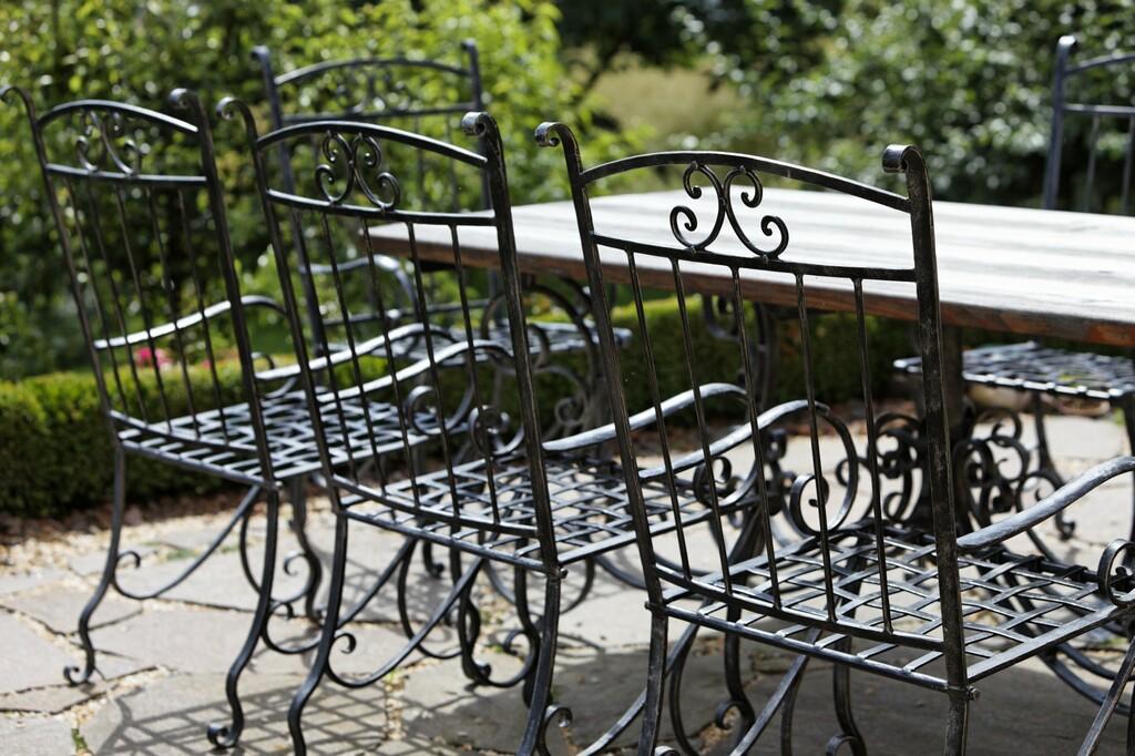 Gartenmöbel aus Schmiedeeisen – Kunstschmiede Hiebaum